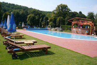 park-hotel-stupava-vonkajsi-bazen-kupalisko